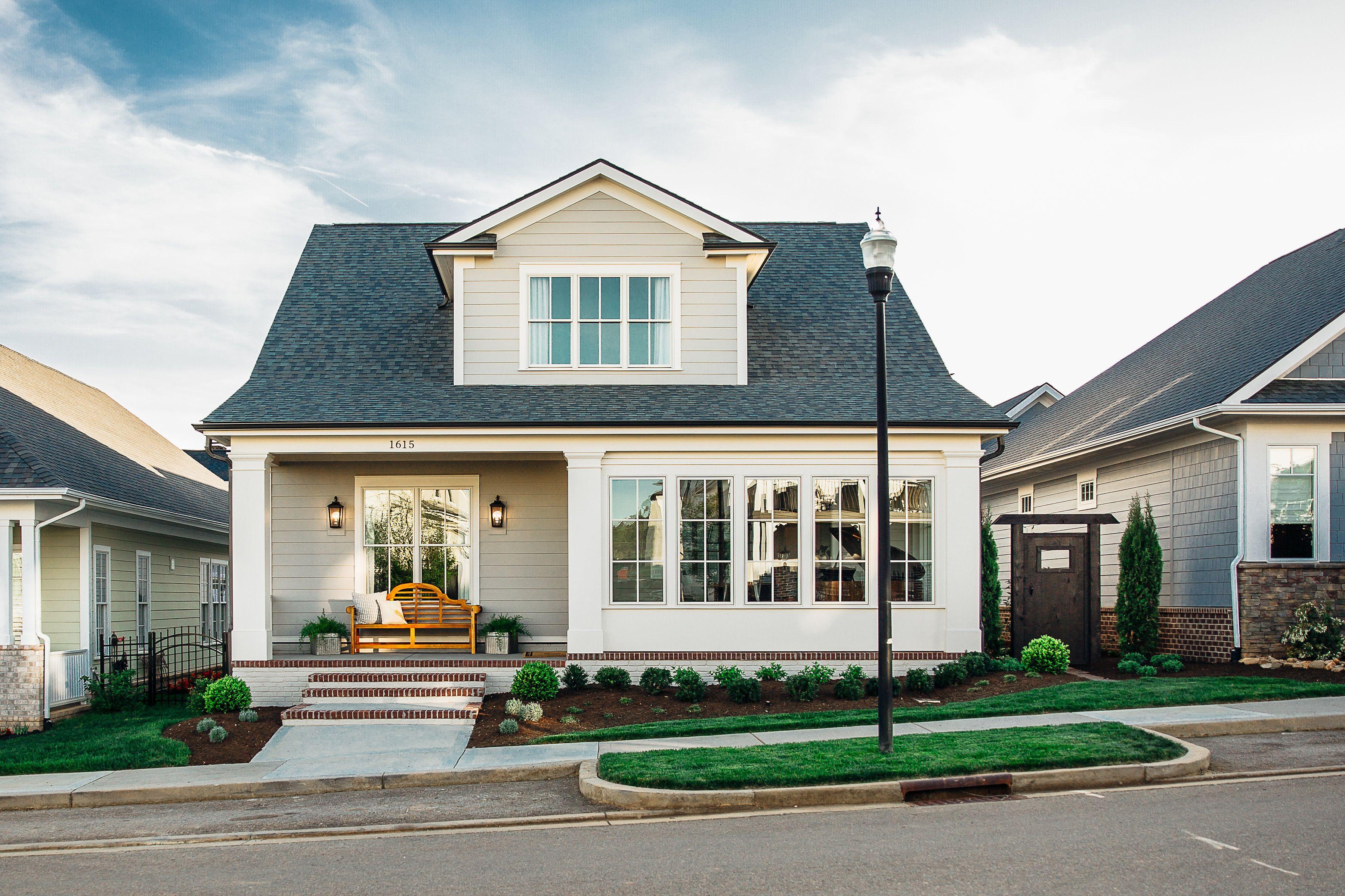 Built By Mike Stevens Homes Inc Knoxville Tn Modern Exterior Exterior Design Custom Homes