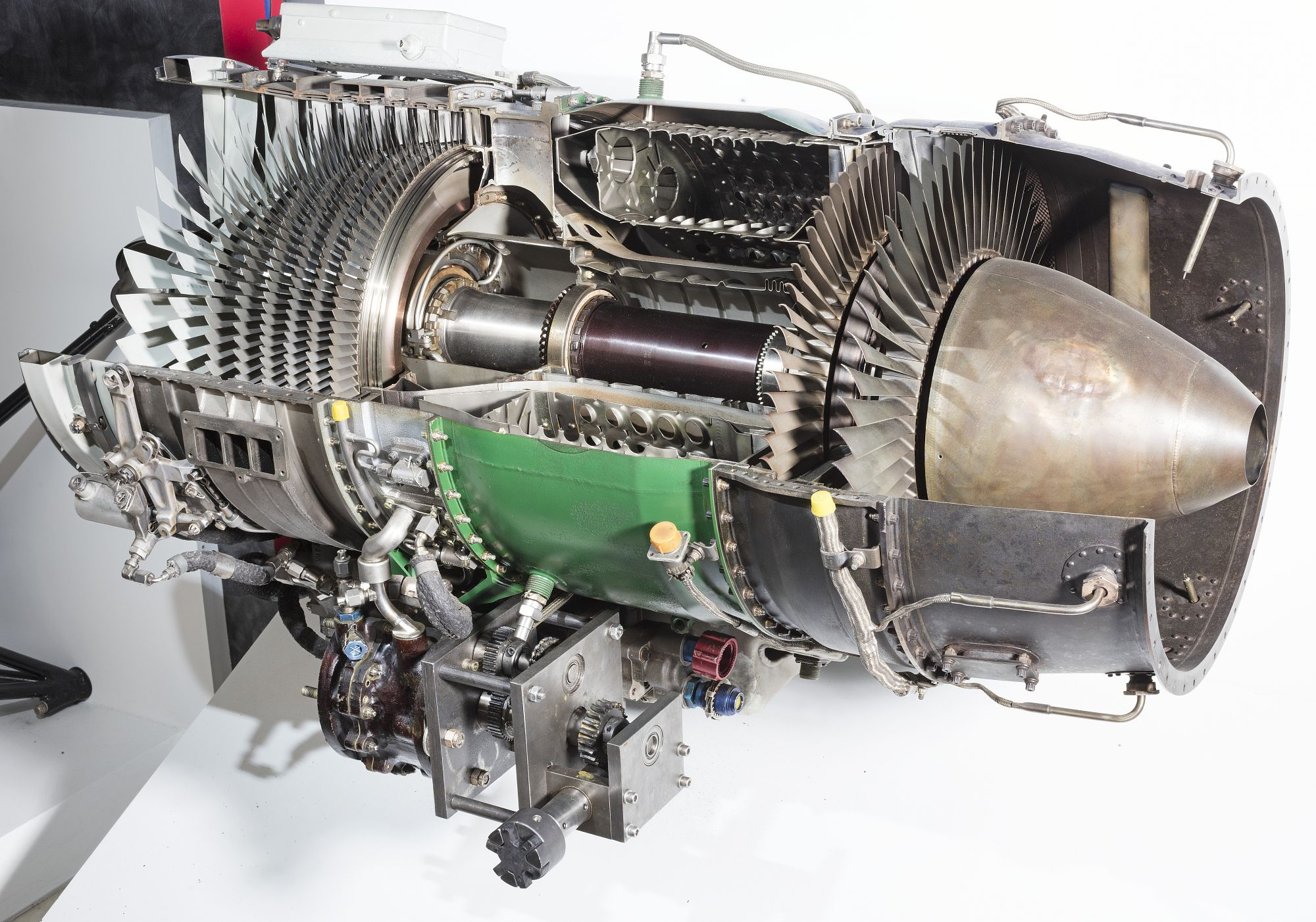 General electric j85ge17a turbojet engine cutaway