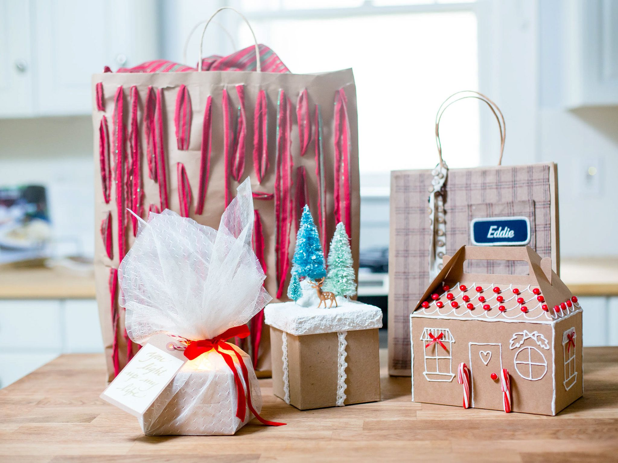 Ways to decorate gift bags - How To Decorate Chart Paper For Project Google Search