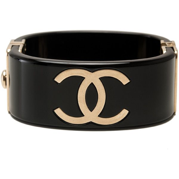 Pre-Owned Chanel Runway Black and Gold CC Logo Cuff Bracelet (5.593.020 COP) ❤ liked on Polyvore featuring jewelry, bracelets, accessories, chanel, black, chanel jewelry, black gold jewellery, hinged bangle, wide cuff bracelet and black and gold bangle
