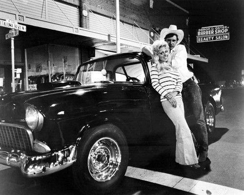 American Graffiti Harrison Ford Linda Christensen With 55 Chevy 24x30 Poster Entertainment Memorabilia Movie Mem American Graffiti Best Classic Cars Tv Cars
