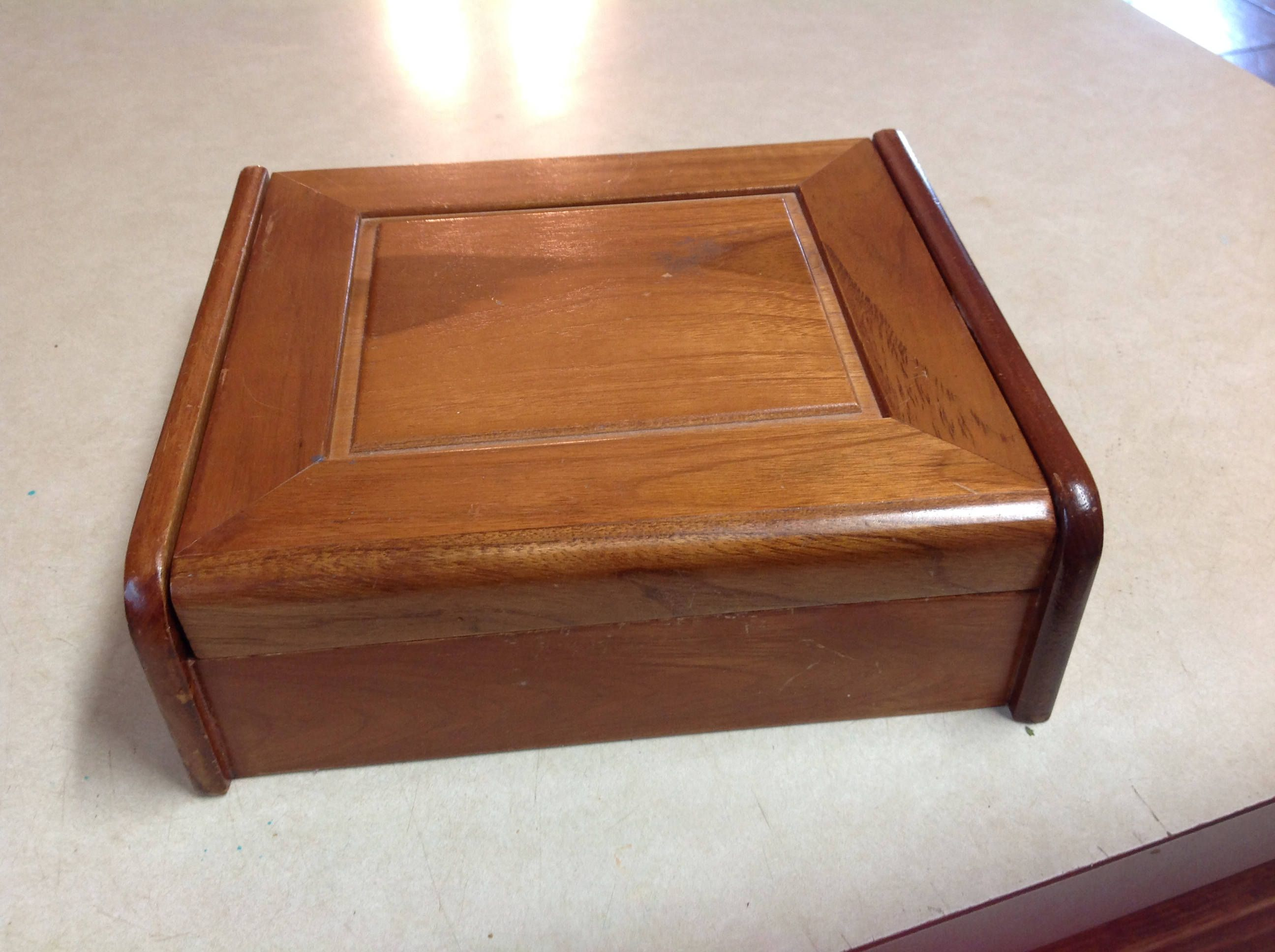 Vintage wood jewelry box men women red velvet lining with two