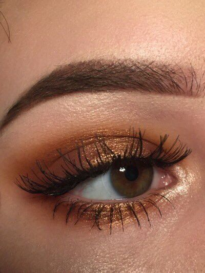 Bronze gold eye makeup looks, party night makeup looks, bold eye makeup looks