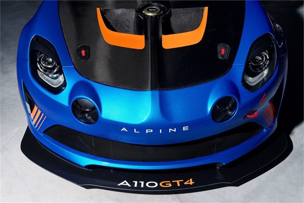 Renault Love presents Alpine A110 GT4! -