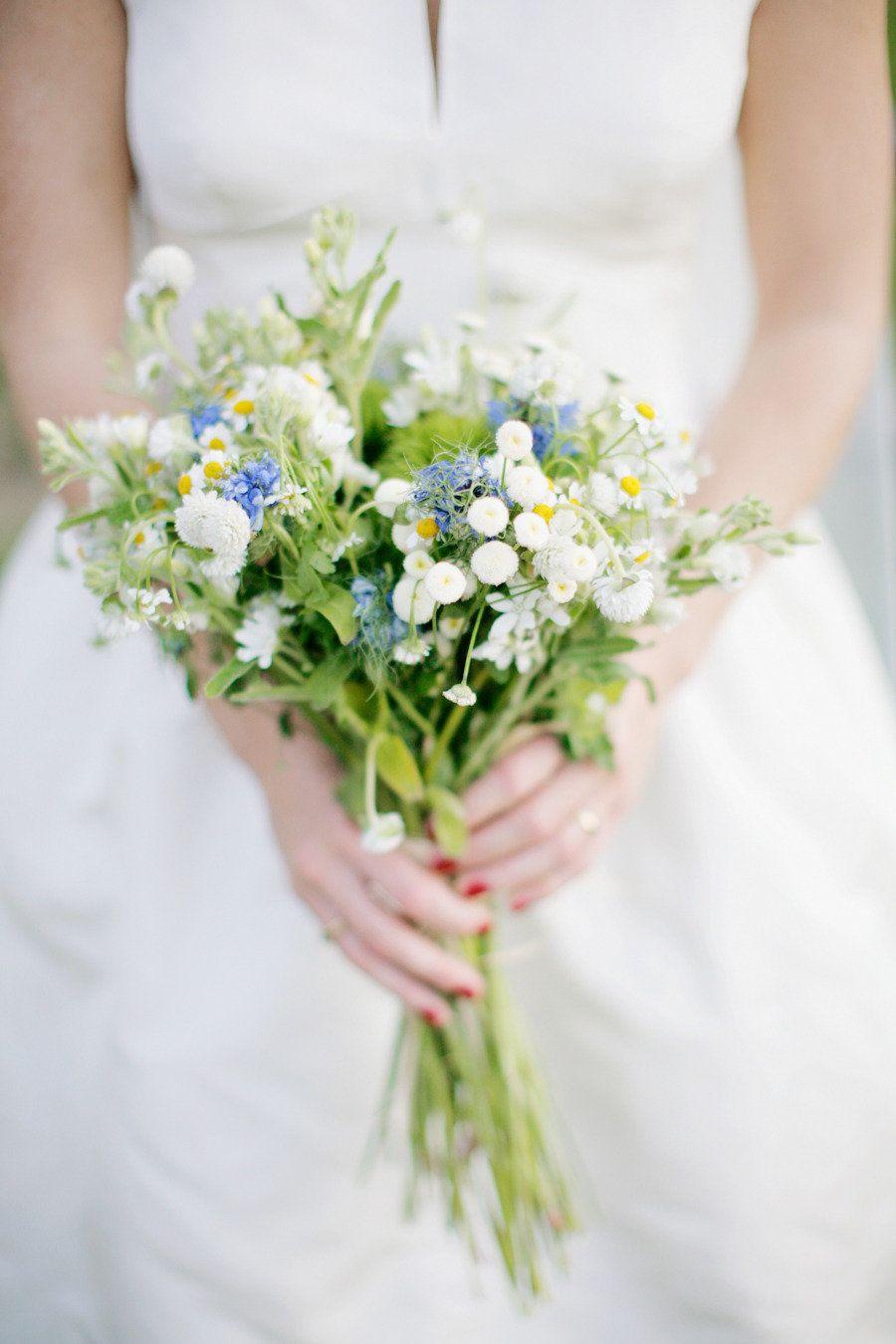Evergreen Wedding from Alders Photography #fantasticweddingbouquets