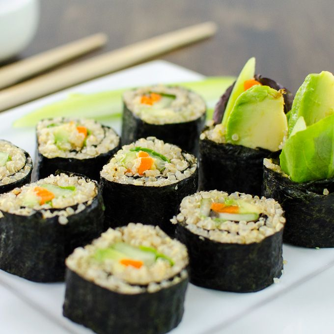 rollos de sushi vegetariano quinua