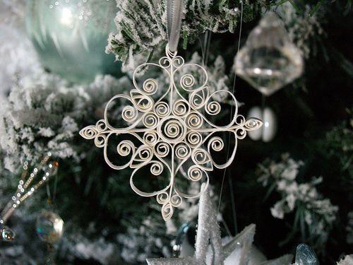 Ornament van de Sneeuwvlok op boom