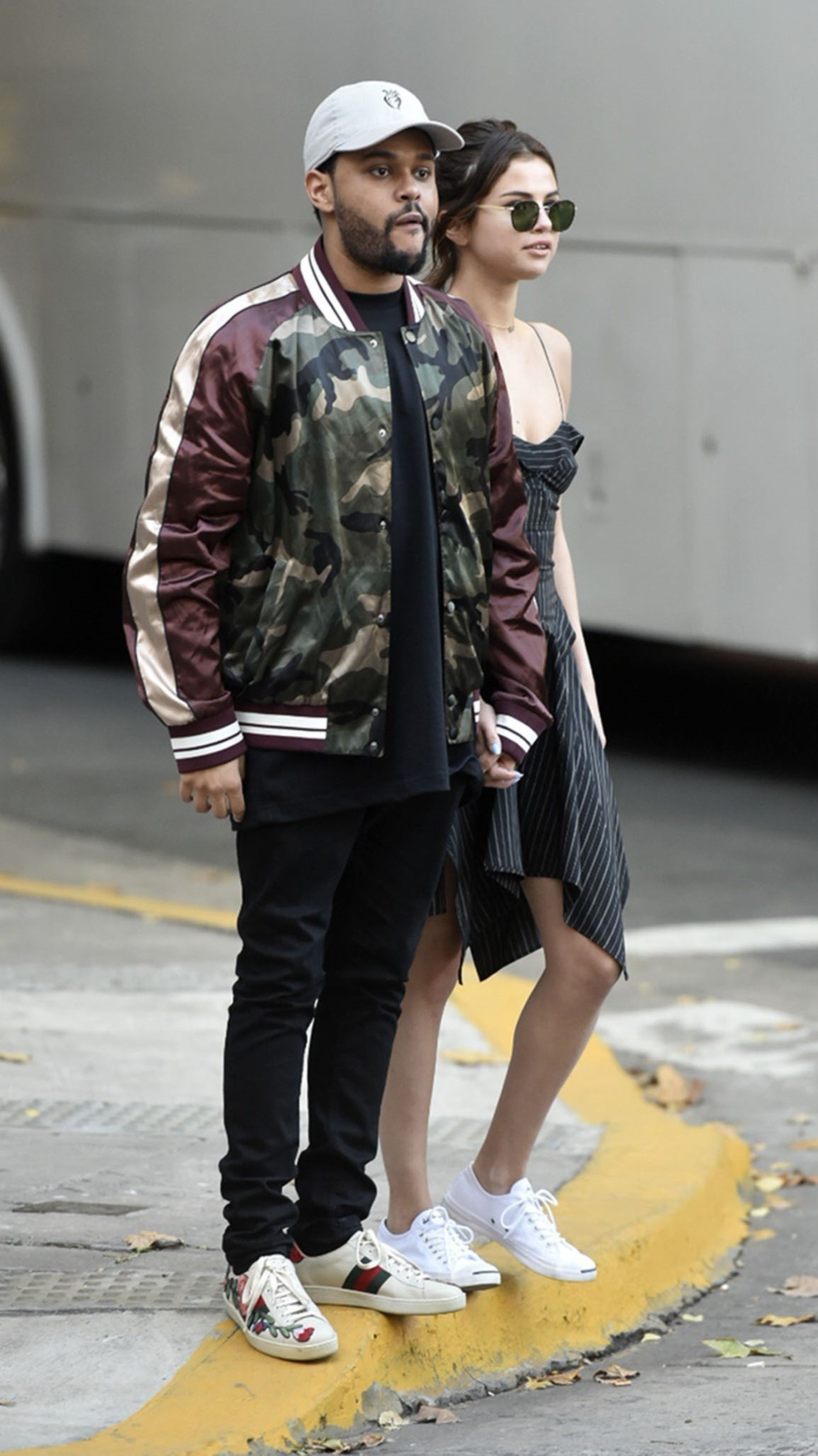 The Weeknd In Buenos Aires With Selena Gomez On Looklive Selena Gomez The Weeknd Fashion The Weeknd [ 3200 x 1800 Pixel ]