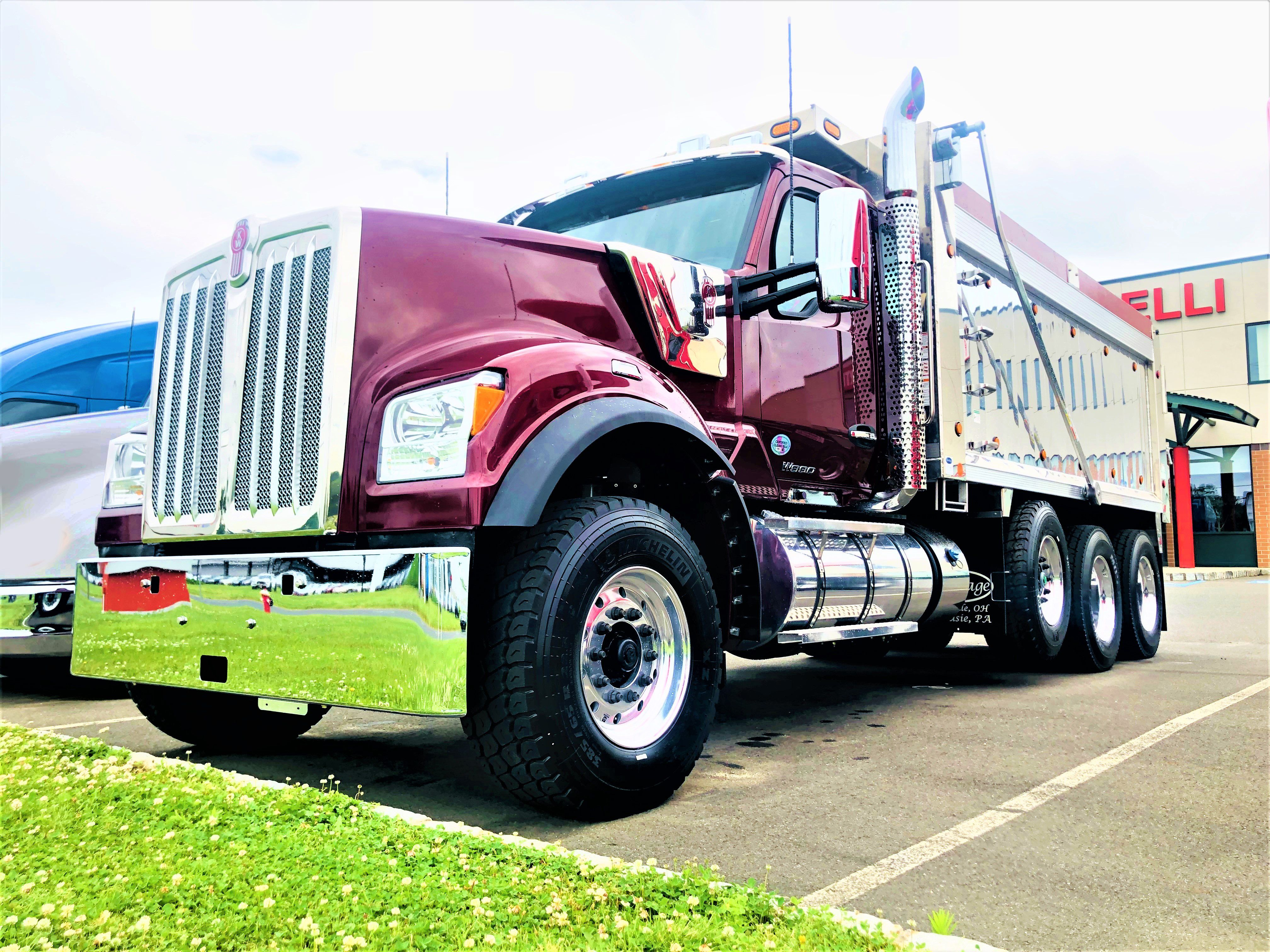 W990 Dump Truck Dump Trucks Trucks Dump Truck