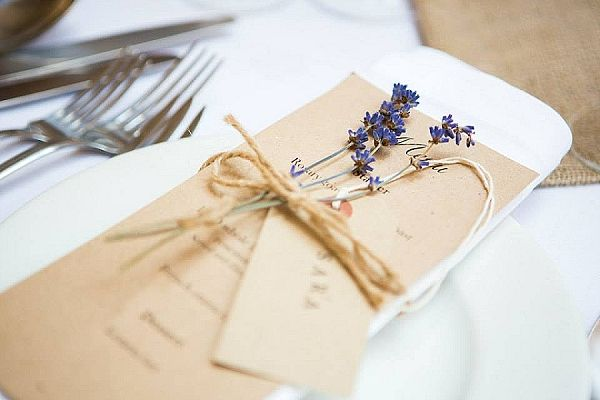 Real Wedding – Lavender Place Settings, Hessian Details & Cake ...
