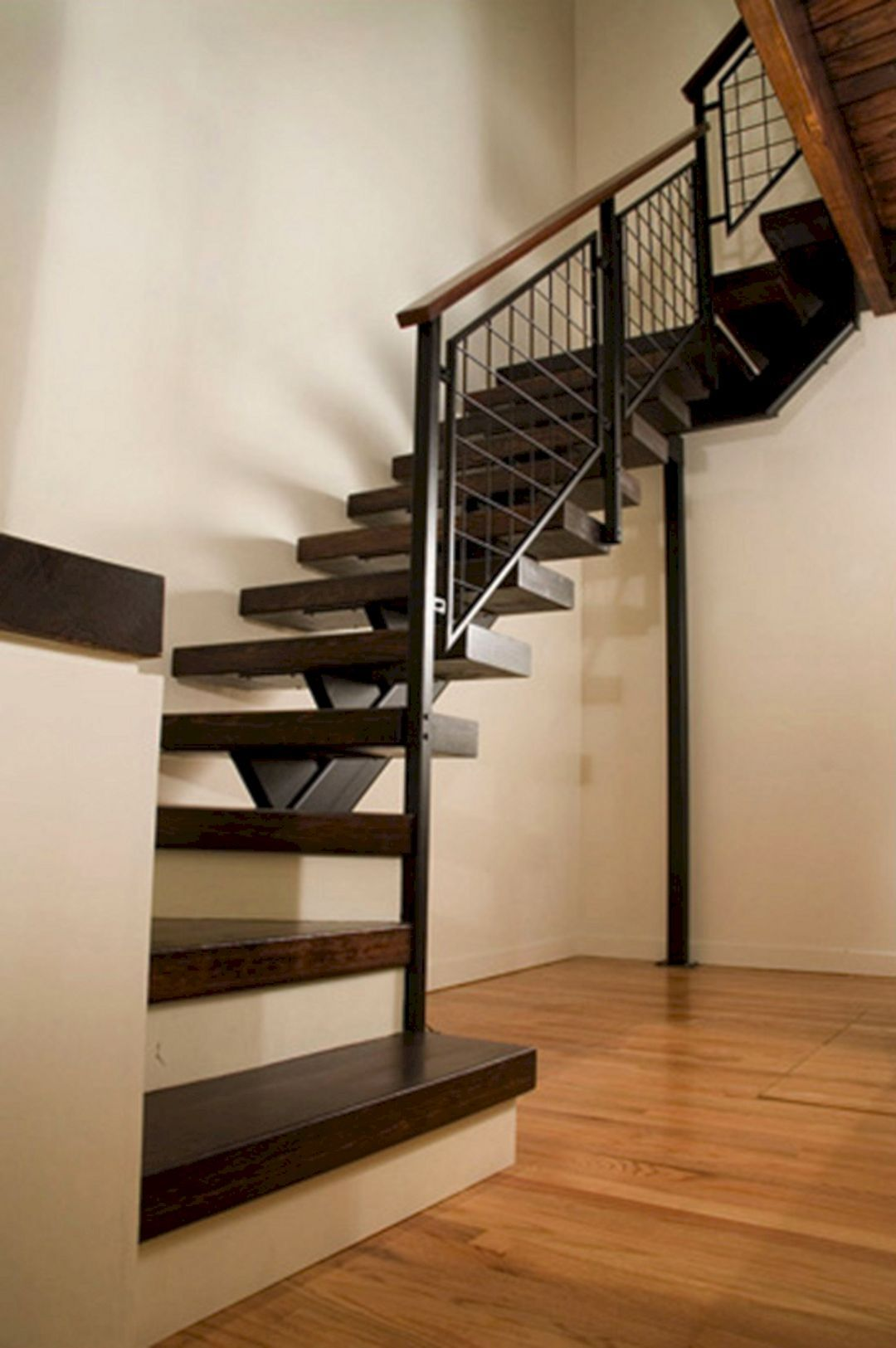 Great 45+ Beautiful Stairway Decorating Ideas For Attractive Your Home