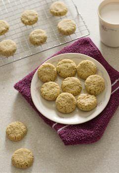 Keto Gingersnap Cookies