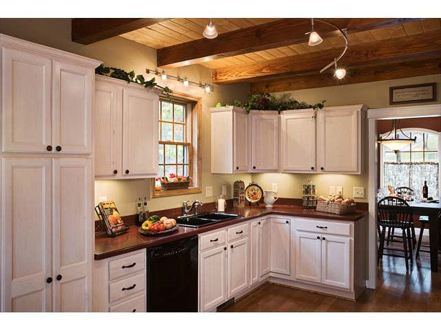sutherland timberframe kitchen | Timber frame kitchen ...