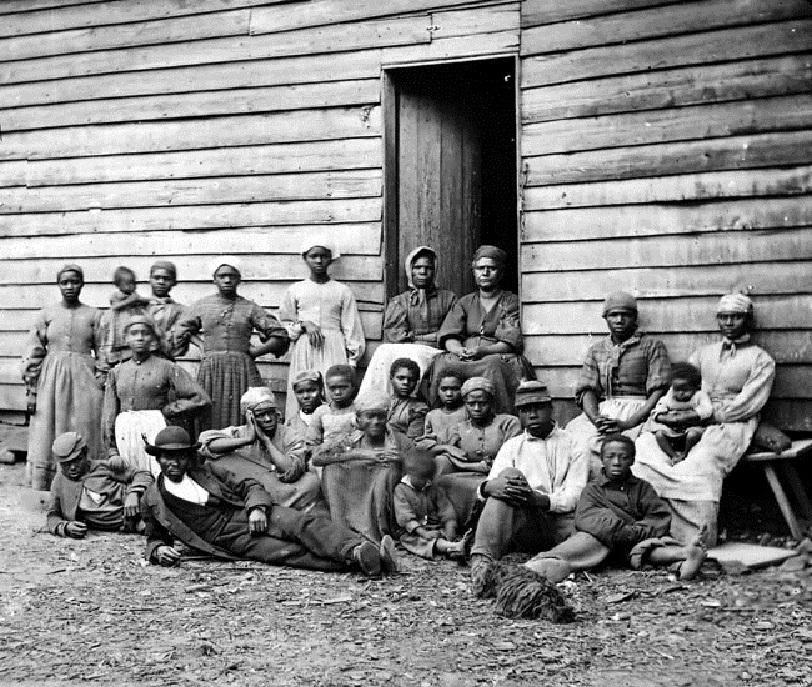 Juneteenth: Slaves on a Plantation - Pixdaus | Black ...