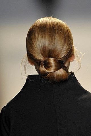 How to knotted a style chignon recommendations dress for winter in 2019