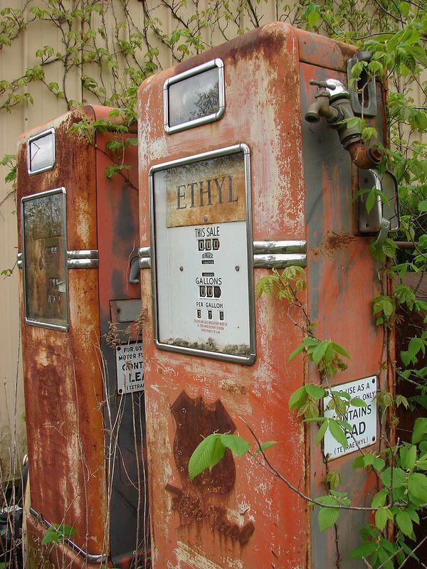 37 cents a gallon in 2020 Vintage gas pumps, Gas pumps