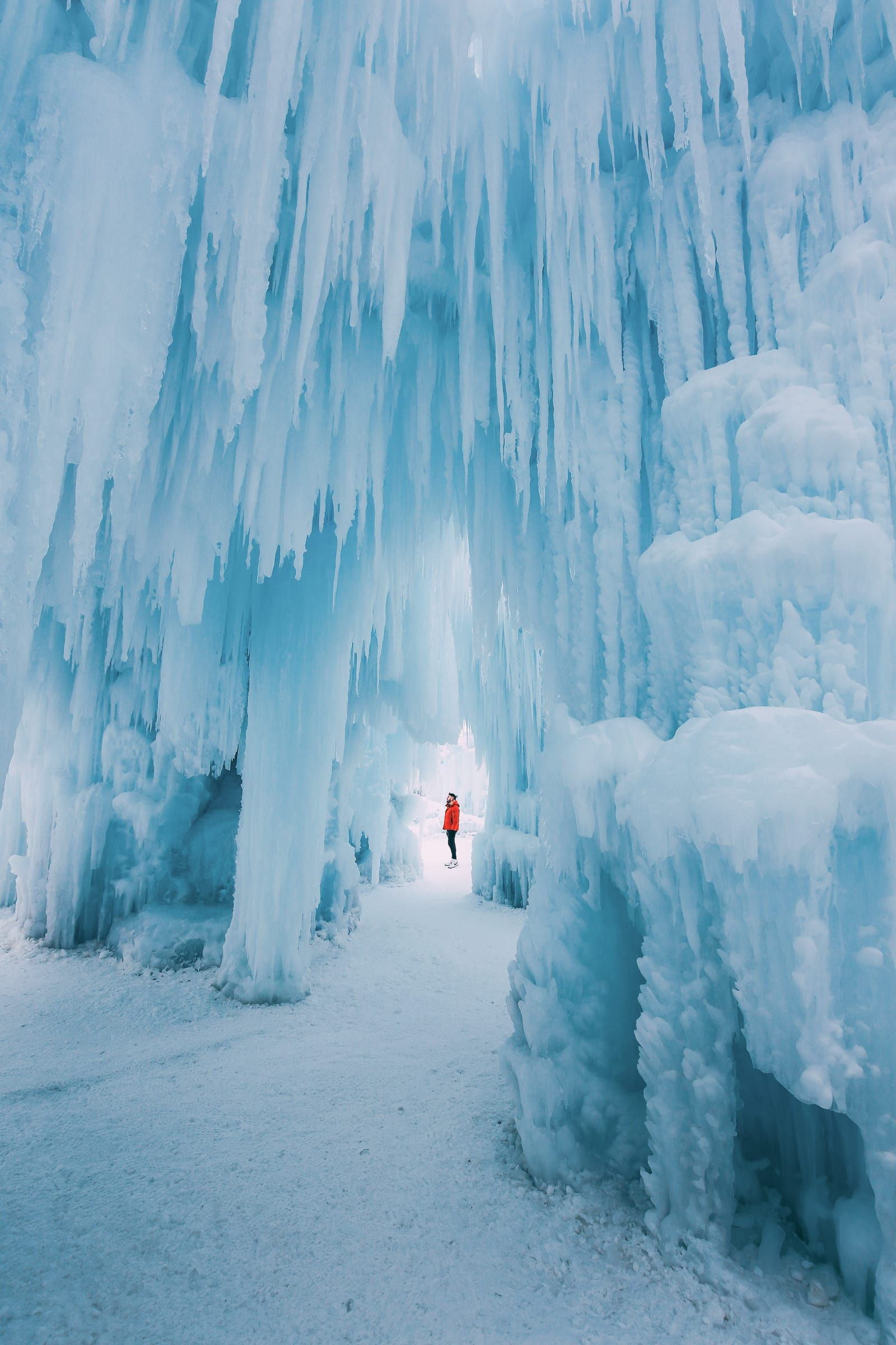 How To See The Most Beautiful Ice Castle In Alberta, Canada