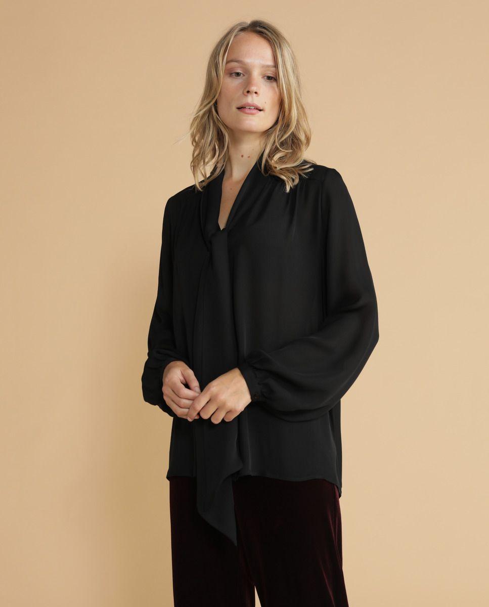 42dc2234d Blusa de mulher Lloyd's com manga comprida e laçada · Moda e Acessórios · El  Corte