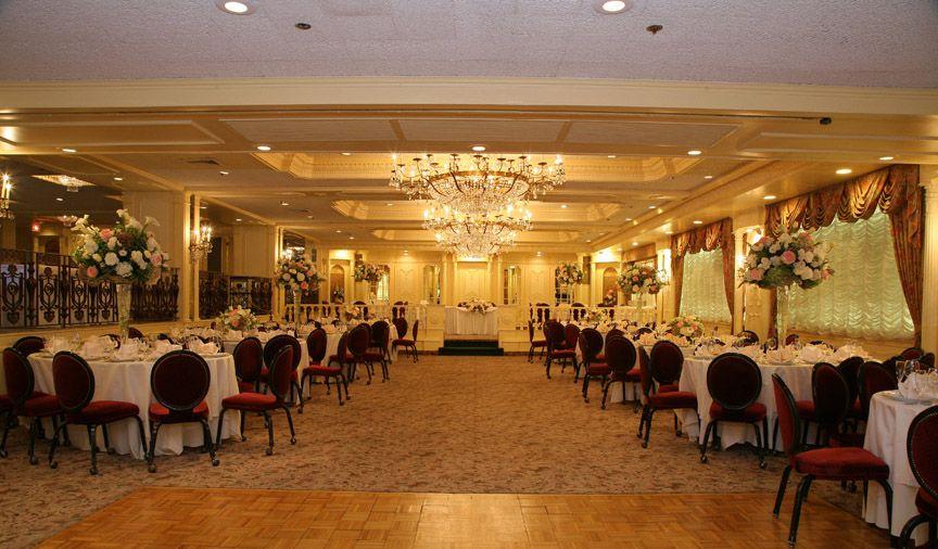 The Manor S Varied Banquet Rooms Offer A Host Of Options For Any Wedding Celebration Large Wine Themed Weddingsorange Njwest