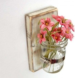 cute, simple little planter... by a kitchen sink??? for those wonderful little dandelion bouquets??? :-)