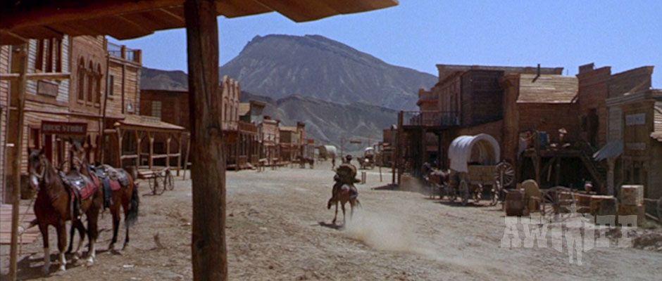 Oasys Mini Hollywood Escenario De Rodaje De La Muerte Tenía Un Precio Hollywood Muerte Rodaje