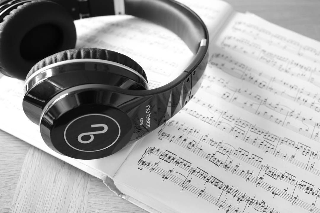 As Mrs Honey and Mr Hunt used to say: theres something so euphoric about music that even hearing one chord of your favorite song can bring back many happy memories. To make those memories rich and precise weve made sure to keep our headphones quality as robust as possible! #bass #allaboutthatbass #EDM #hiphop #deep #headphones #NuBassHeadphones #audiojunkie #audiohead #treble #mids #highs #audiophile #consumerheadphones #stylish #amazing #cool #instapic #instalike #instaphoto #instacool…