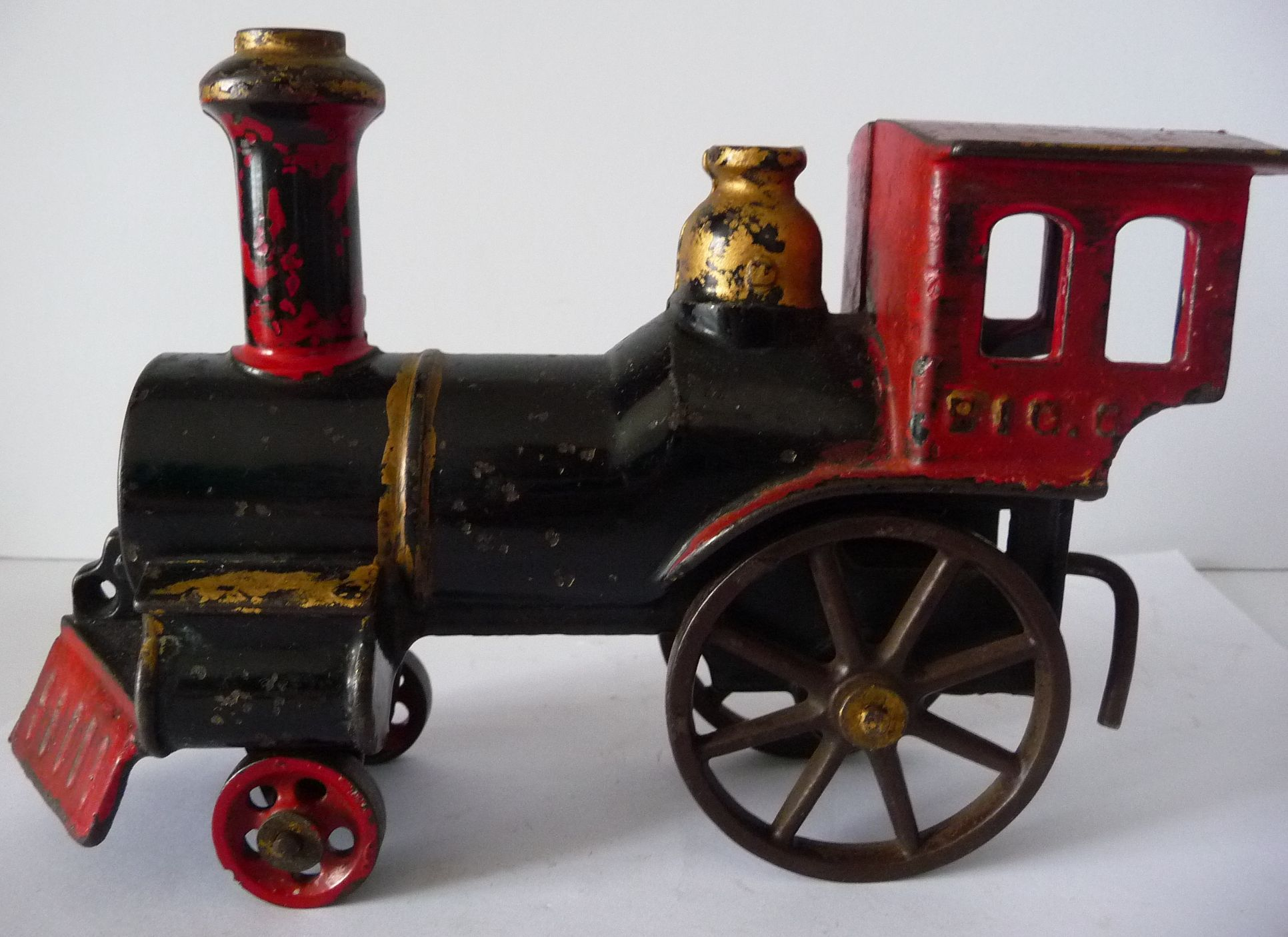 Nycrr Cast Iron Train: PAINTED CAST IRON CHILDS TOY TRAIN 'BIG 6' ENGINE