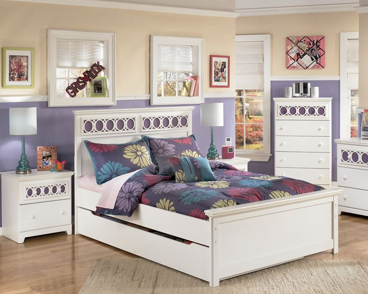 White Full Size Bed With Interchangeable Panel White Bedroom Set