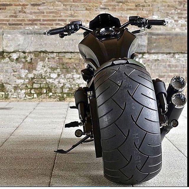 #harley #harleys #harleydavidson #instagood #instacool #instaday #instamood #instadaily #freedon #tbt #tweetgram #харлей #instapic #harley_davidson #roadking #bagger #sportster #moto #bike #мото #vrod #roadglide #liveyourlegend