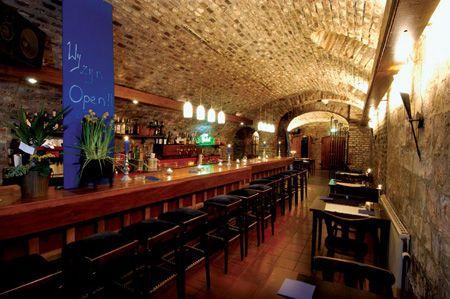 Hotel-Restaurant La Ville Blanche - Kelderbar | Hotels Limburg ...