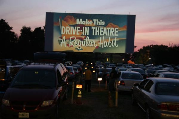 End Of Summer Getaways To Take Now Drive In Theater Drive In