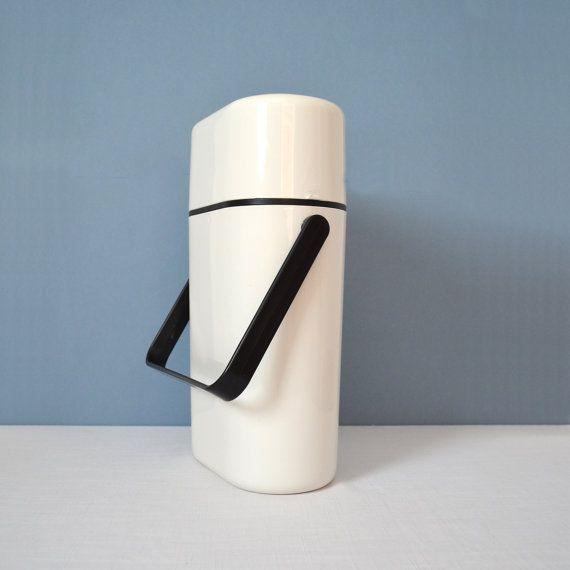 Vintage Decor Plastic Wine Cooler And Carrier
