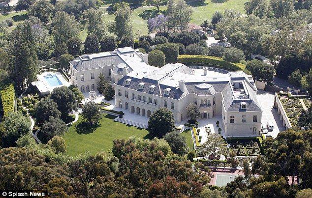 the manor aaron spelling mansion - Pesquisa Google   Aaron ...