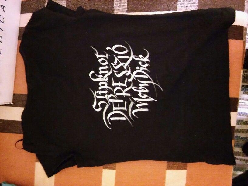T-shirt calligraphy.