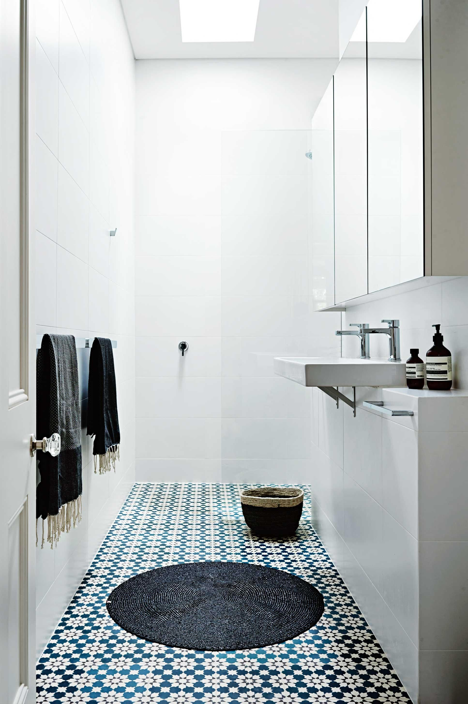 white-small-bathroom-patterned-floor-tile-jun15 | Bathroom ideas ...