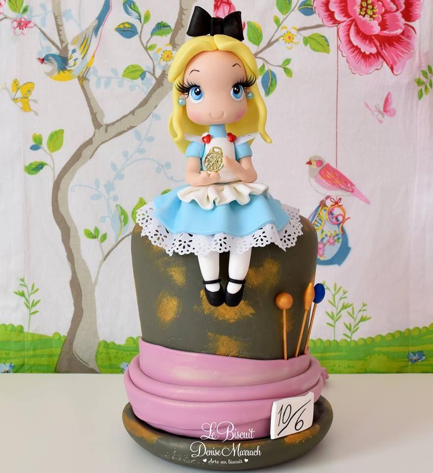 Alice No Pais Das Maravilhas Em Biscuit Modelado E Pintura A Mao