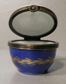 NEW Round Blue Box, No.72 Porcelain Limoges Box NEW