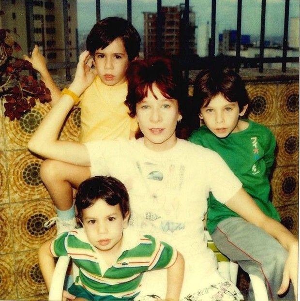 Rita Lee e seus meninos (Foto: Reprodução)