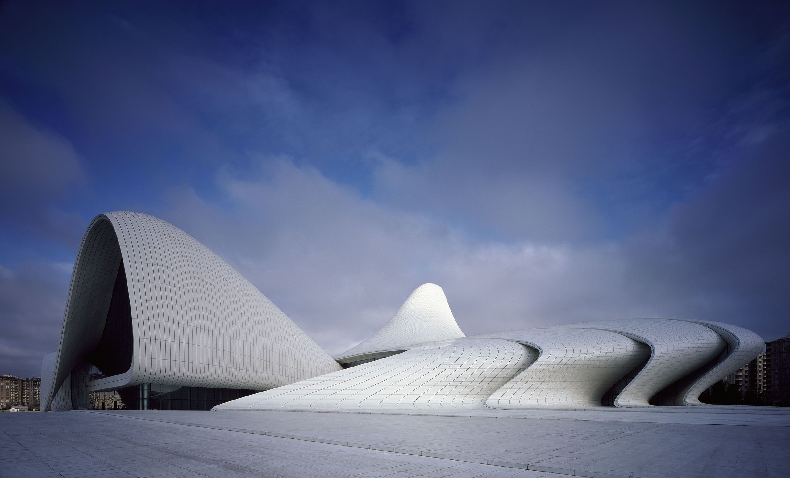 The Heydar Aliyev Center By Zaha Hadid Architects In Baku Azerbaijan Yatzer Zaha Hadid Design Zaha Hadid Architects Zaha Hadid Buildings