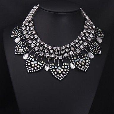 Women's Color Crystal Diamond Gemstone Necklace - USD $ 19.79