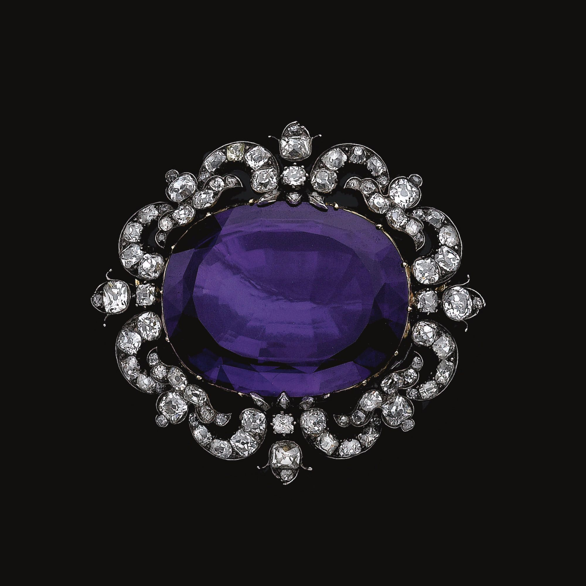 Amethyst and diamond broochpendant late th century the cutdown
