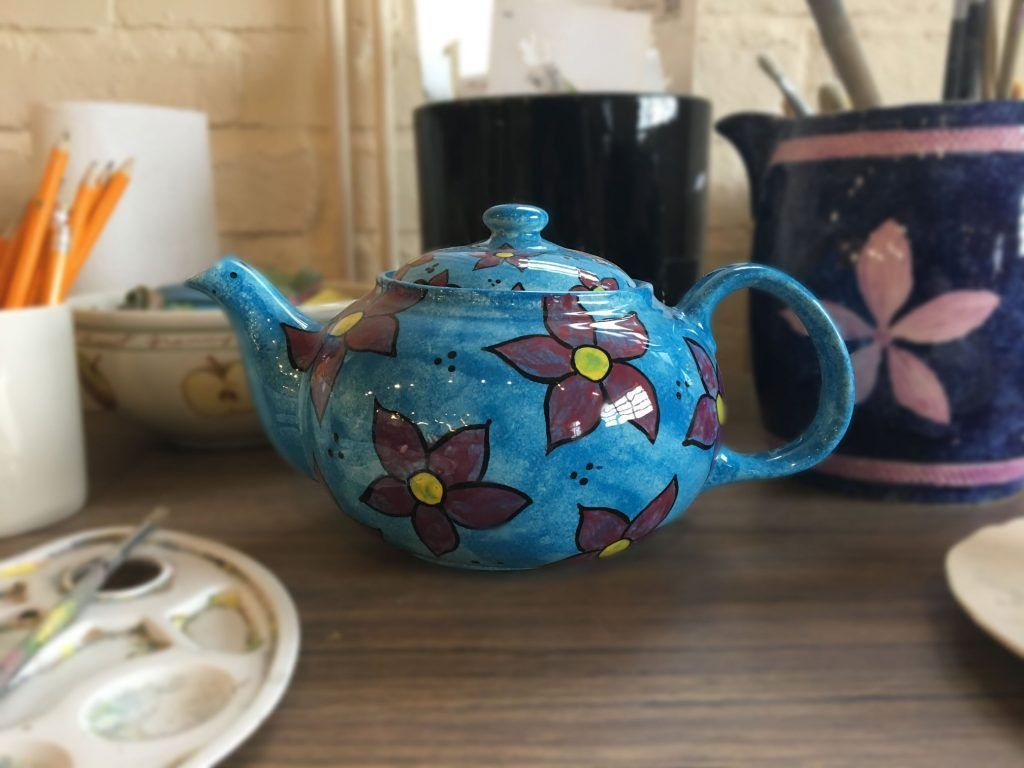 Ceramic Cafe - Paint a Pot sessions #ceramiccafe Royal Staffordshire paint a pot class #ceramiccafe