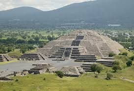 Pyramid Of The Sun In Teotihuacan Near Mexico City Teotihuacan Dunya Meksika