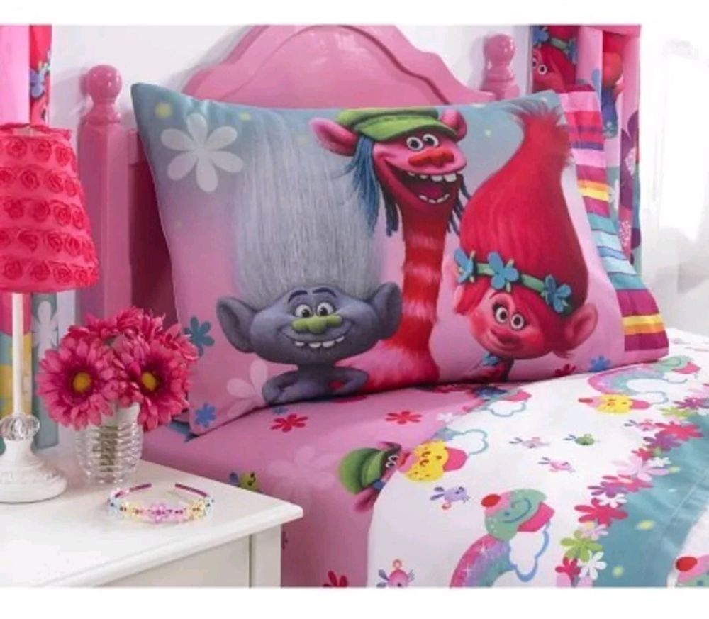 Trolls Show Me A Smile Twin 3 Piece Bedding Sheet Set