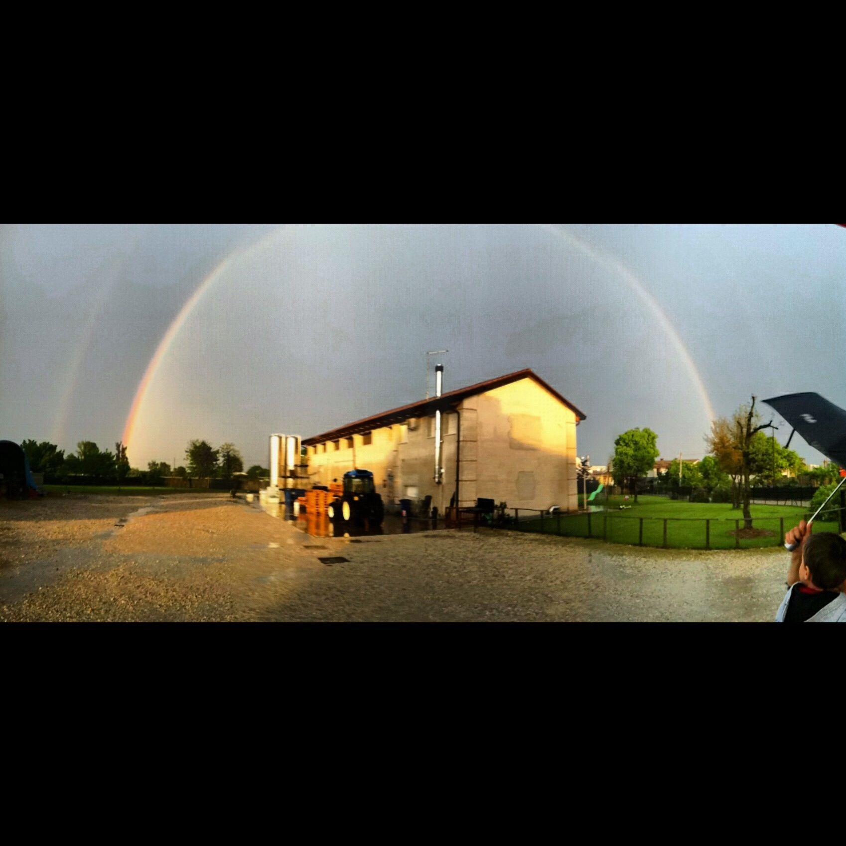 arcobaleno sopra la cantina