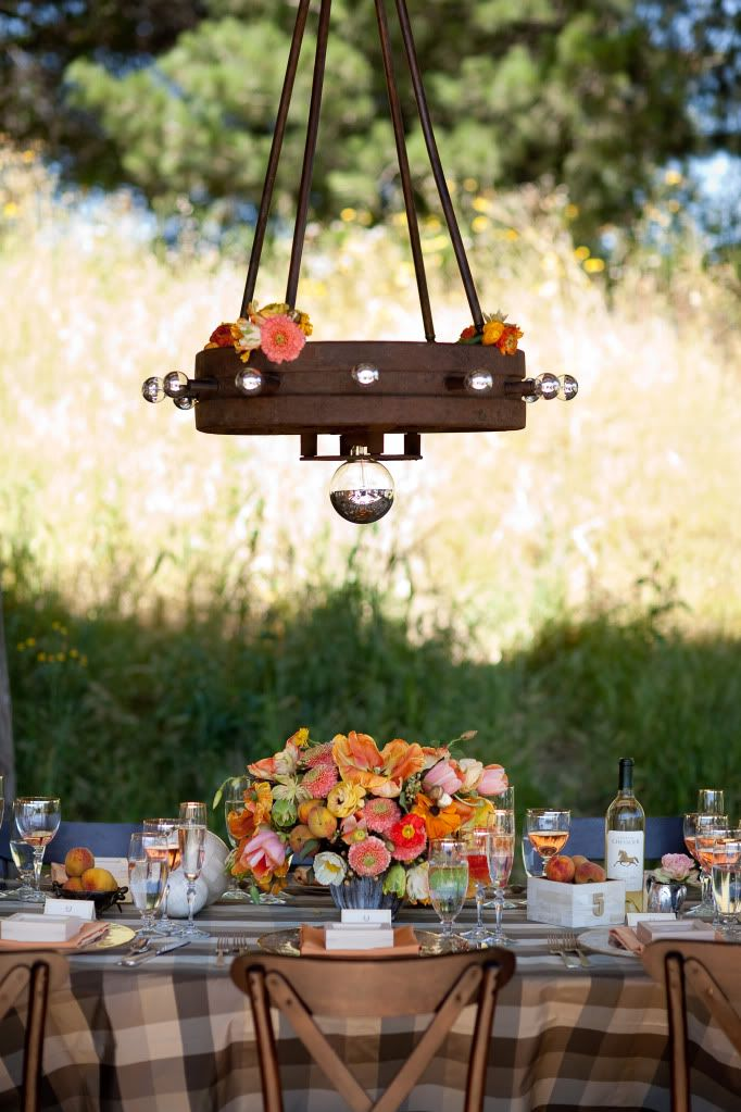 pretty fall flowers + brown plaid linens via Snippet & Ink #wedding #fallwedding