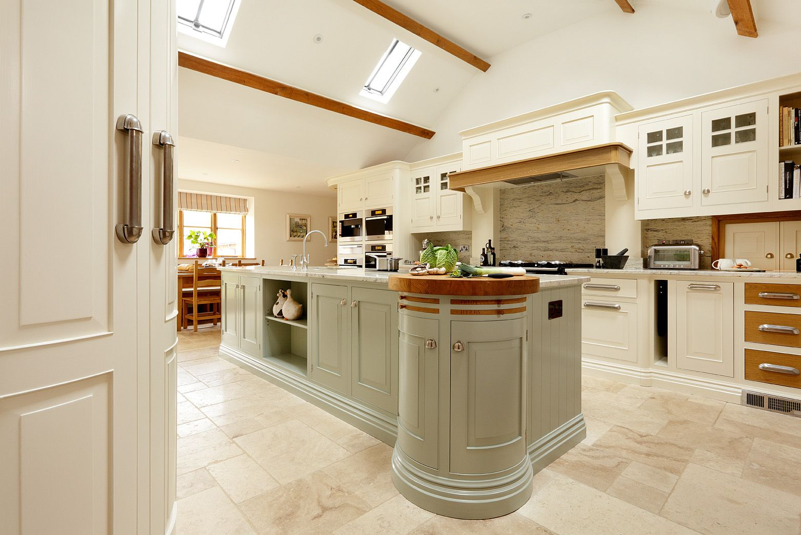 Mark Wilkinson Furniture English Classic design Luxury