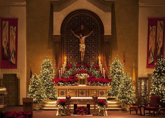 Altardecor Altar Decor Worship Altar Decorations In 2020 Church Christmas Decorations Christmas Church Church Decor