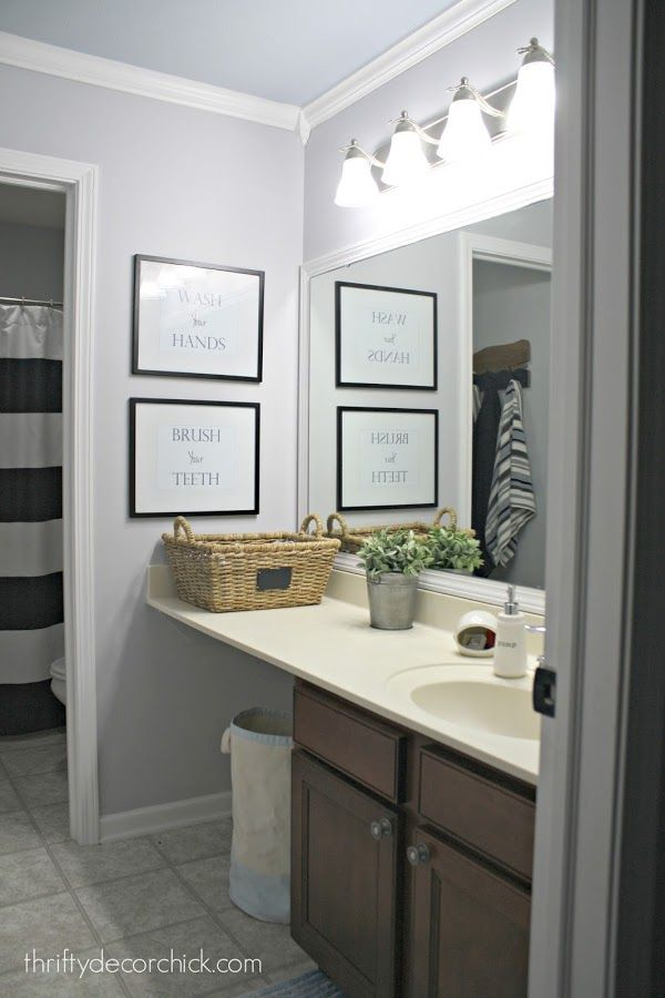 a simple bathroom makeover (paint is the bomb!) | simple bathroom