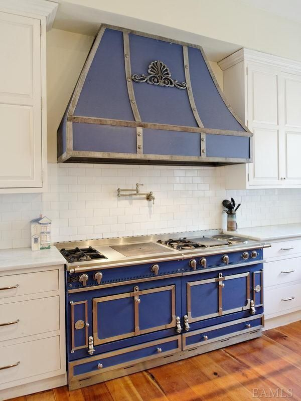 Blue And Stainless Steel Gas Stove Ovens Matching Hood